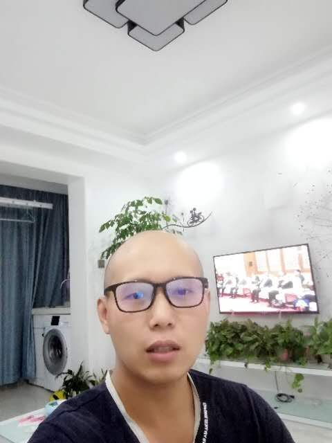 瓦工师傅亓培刚